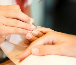 manicure2m
